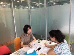 Ivy teaching Bianca Chinese in Beijing