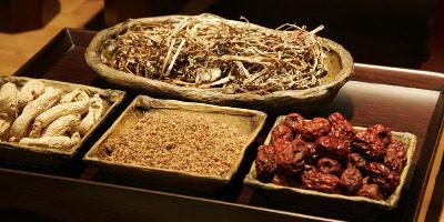 Forskelle mellem traditionelt kinesisk medicin og vestlig medicin