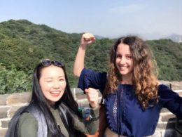 Marie og Jasmine bestiger Den Kinesiske Mur